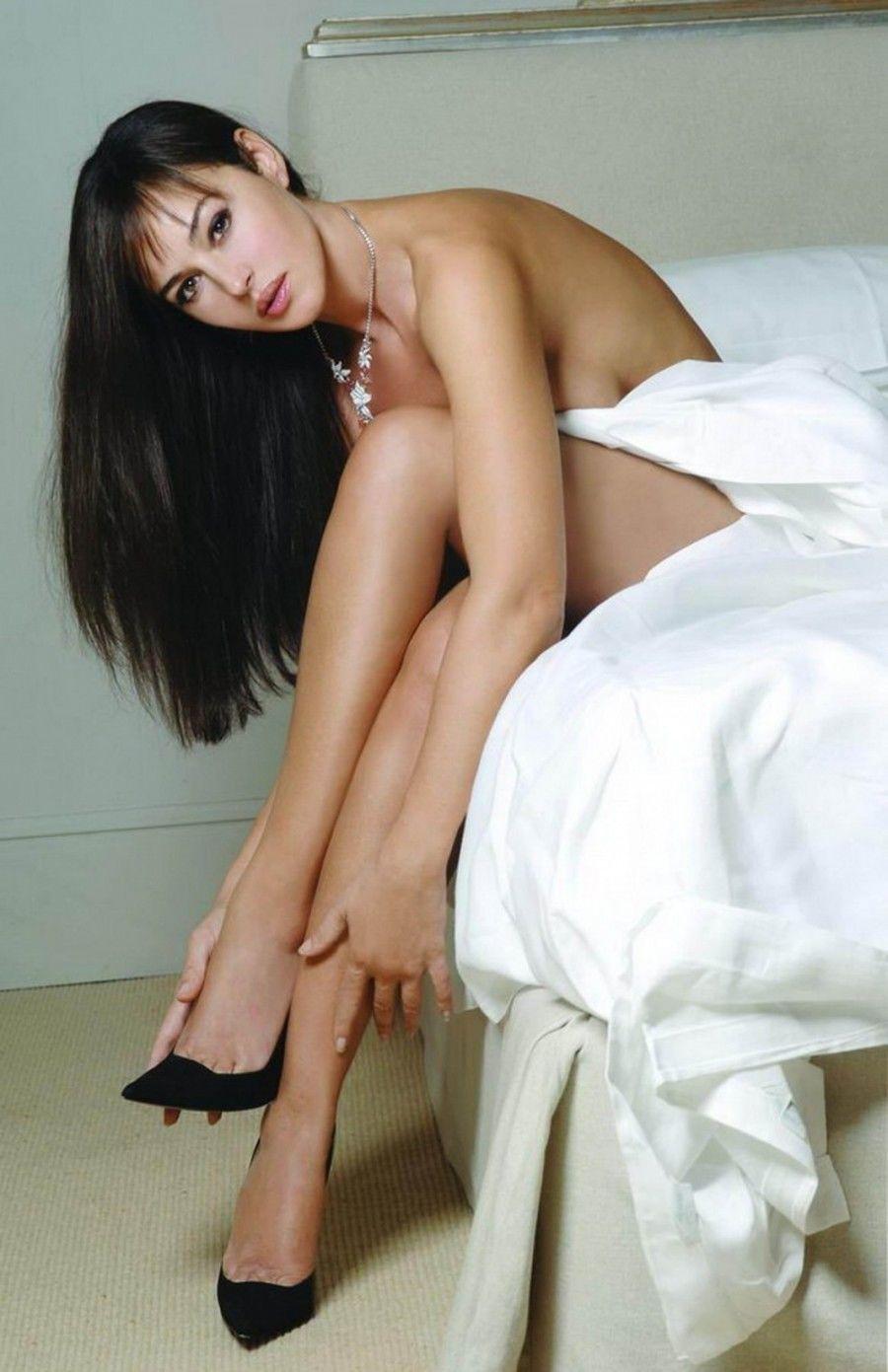 monika-belluchchi-foto-eroticheskoe