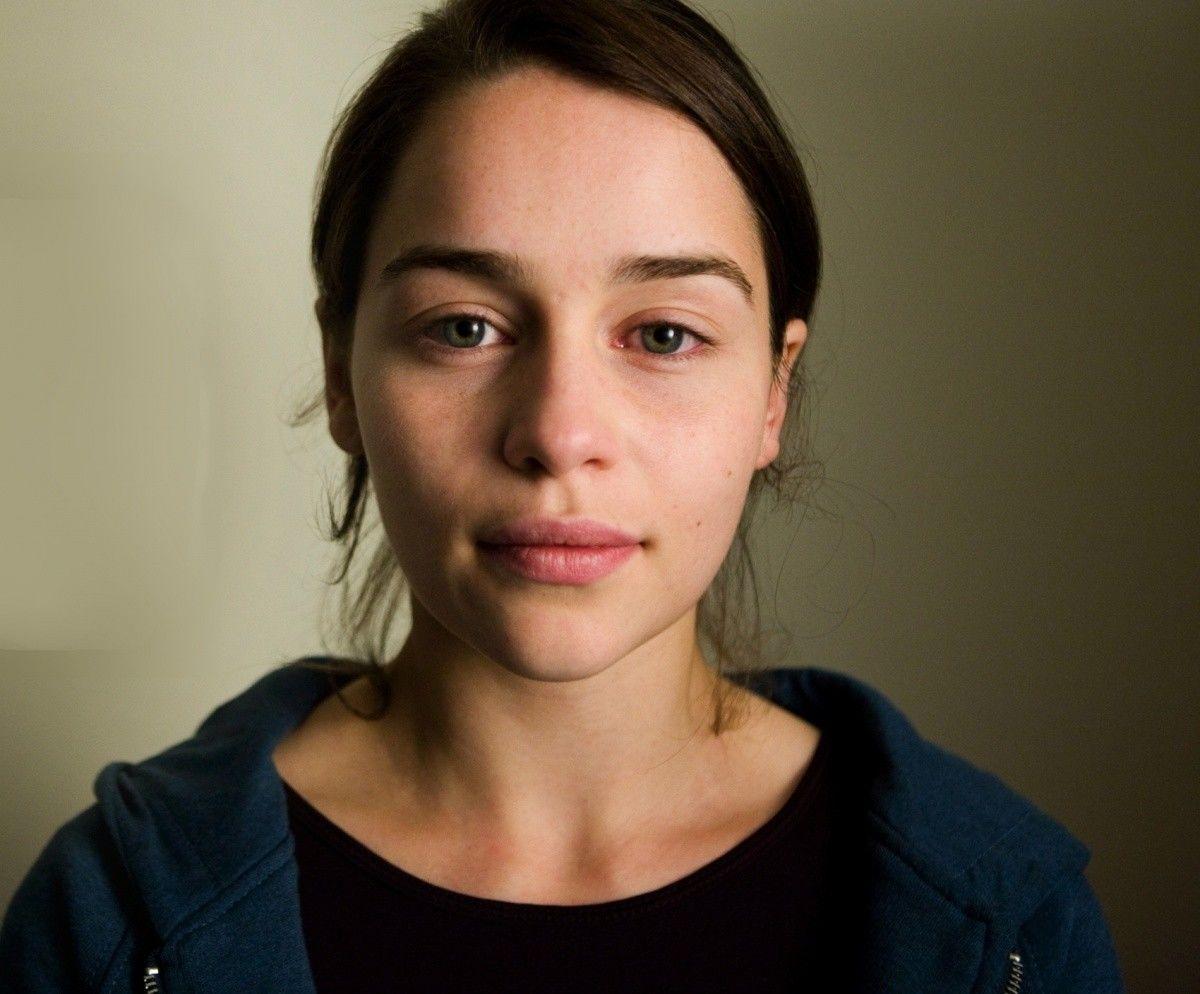 эмилия кларк фото без макияжа заповедник