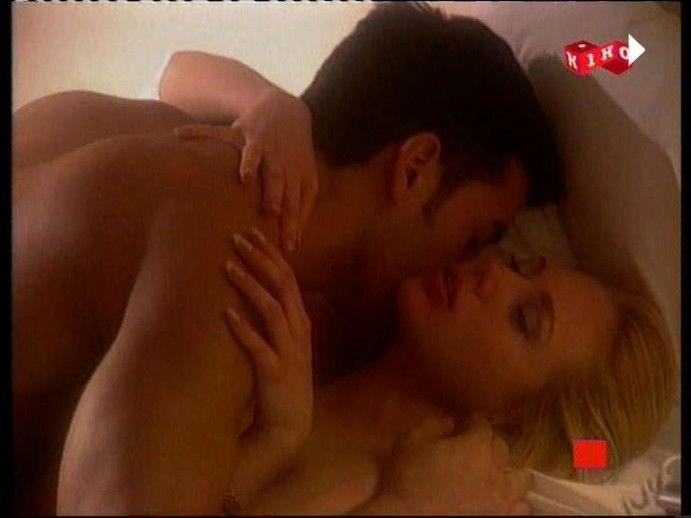 smotret-onlayn-film-lyubovnik-erotika