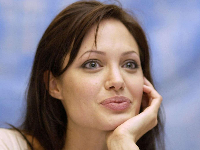 Анджелина джоли обои для рабочего