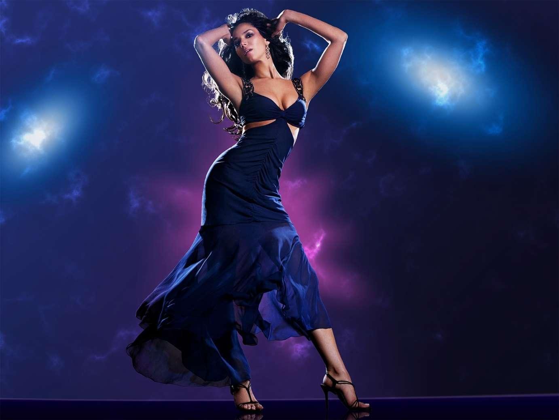 Фото девушки во время танца 17 фотография